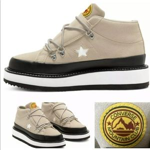 Converse mountain club boots size 6